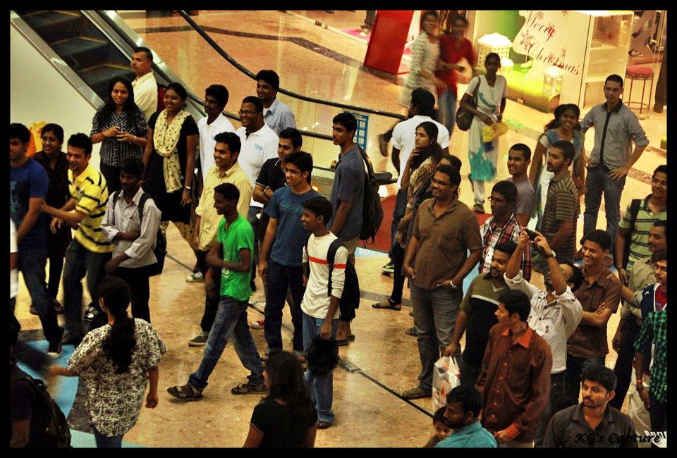 Chennai Flash Mob audience